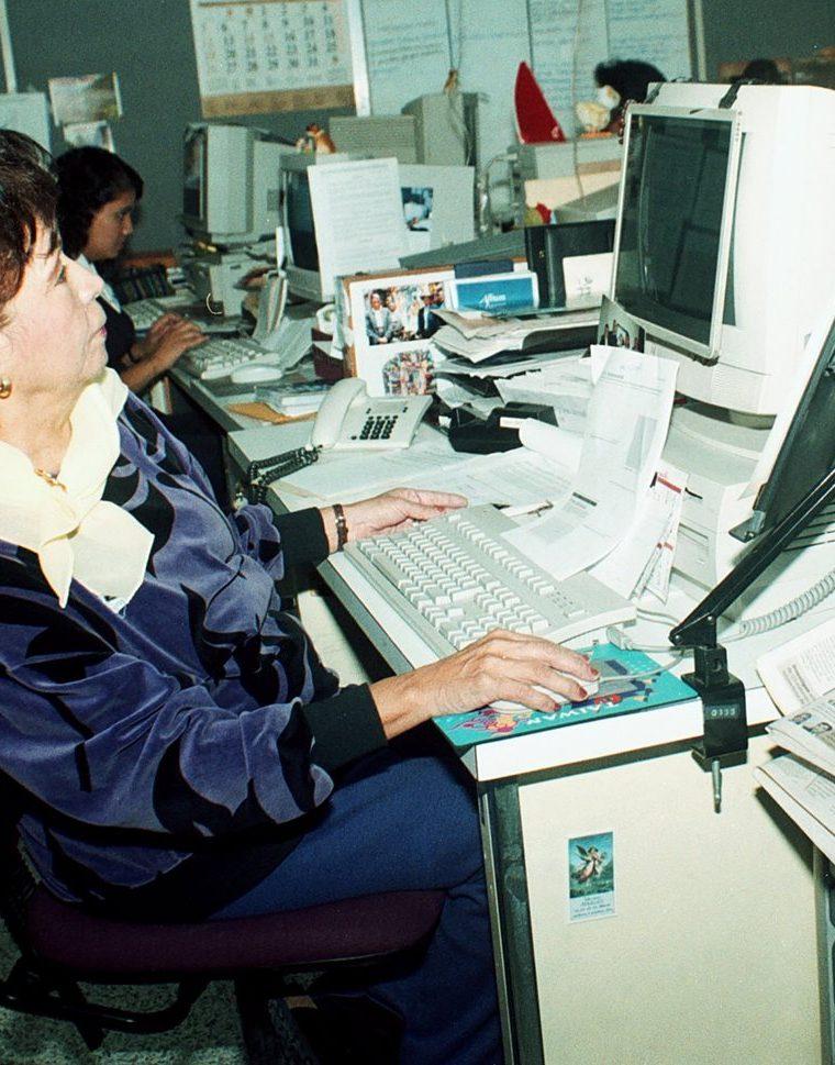 Atala Valenzuela en la redacción de Prensa Libre (Foto: Hemeroteca PL).