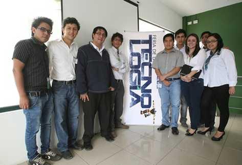 El equipo de IEEE Guatemala, durante la presentación (Foto Prensa Libre: BILLY QUIJADA).