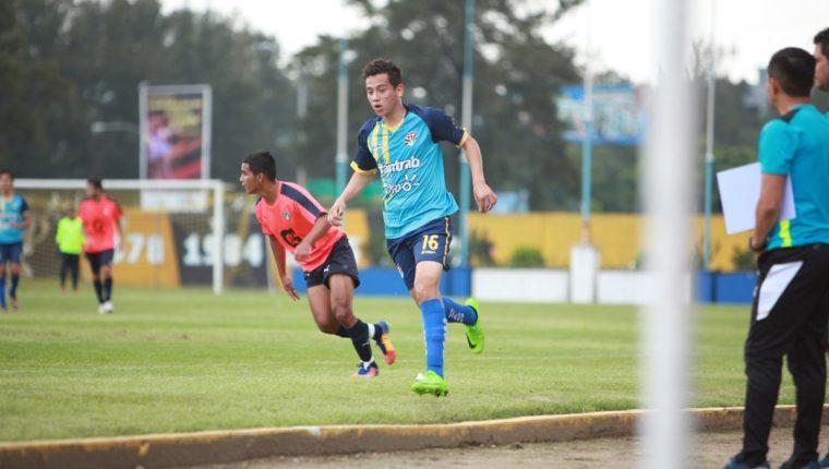 José Manuel Morales jugó un amistoso frente Comunicaciones, en duelo de preparación que sostuvo Aurora de la Tercera División. (Foto cortesía: Diego Garrido)