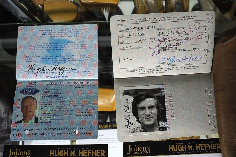 Pasaportes estadounidenses de Hefner. (Foto: AFP).