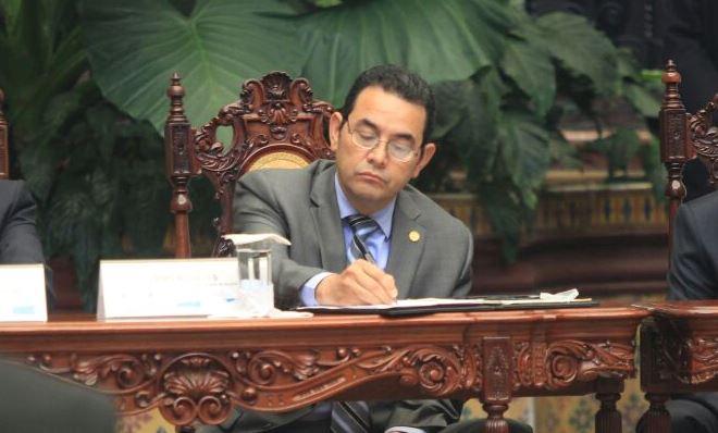 Jimmy Morales arremete contra críticos de su Gobierno