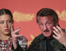 """El actor y director estadounidense habla del drama humanitario de su película """"The Last Face"""", en conferencia de prensa en Cannes. (Fotos Prensa Libre, AFP)"""