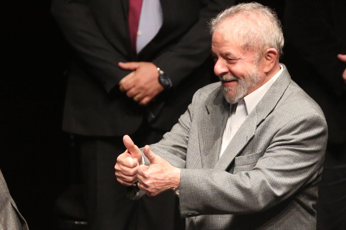 Lula Da Silva fue hallado culpable luego de haber sido implicación en la red de corrupción que operó en Petrobras. (Foto Prensa Libre: EFE)