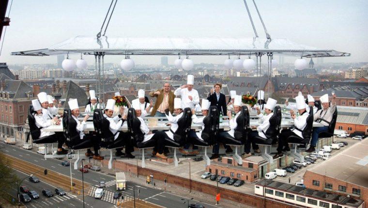 El restaurante le permitirá comer a varios metros de altura. (Foto Prensa Libre: sky-events.com)