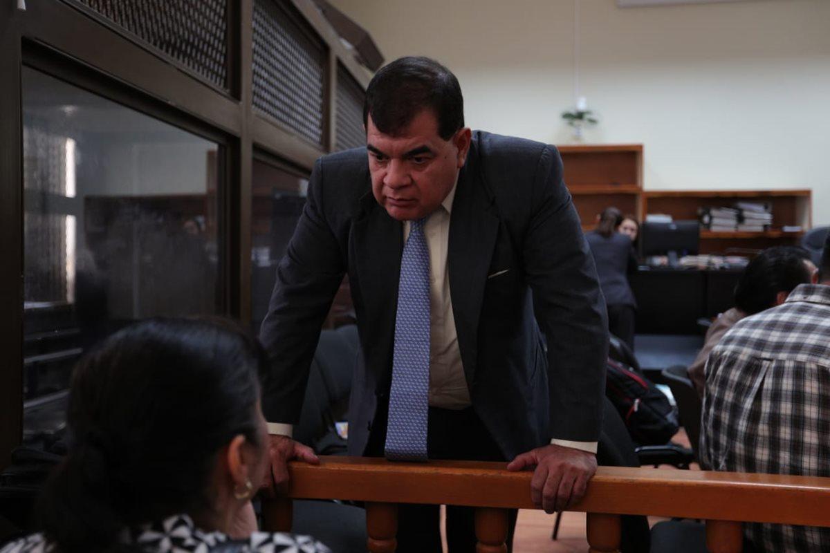 Enredo legal impide celebrar audiencia del exfiscal Ronny López