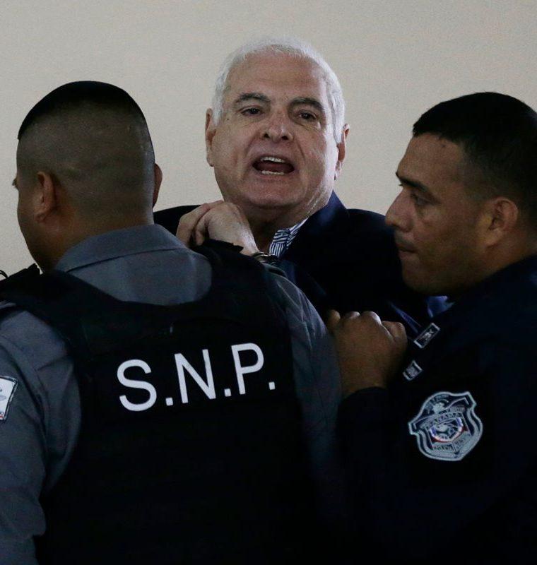 El expresidente panameño Ricardo Martinelli  enfrenta cargos de espiar a más de 150 personas. (AFP)