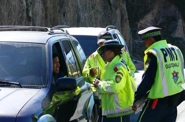 Operativo de la PMT de la capital, en busca de pilotos infractores. (Foto Hemeroteca PL)