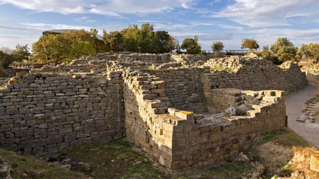 Algunos creen que Troya existió en lo que hoy es el noroeste de Turquía pero las evidencias no son concluyentes. (GETTY IMAGES)