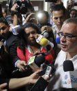 Fotografía de archivo fechada del 2016 que muestra al expresidente salvadoreño Mauricio Funes mientras habla con la prensa.(Foto Prensa Libre: EFE).