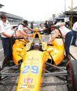 El piloto español Fernando Alonso se ubicó en la cuarta plaza en los entrenamientos libres de las 500 Millas de Indianápolis. (Foto Prensa Libre: EFE).