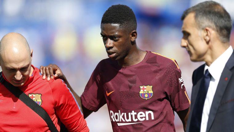 Dembelé recién llegó al club azulgrana pero una lesión podría opacar su primera temporada. (Foto Prensa Libre: AP)