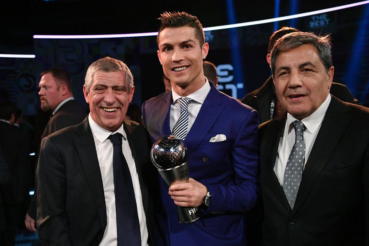 Fernando Santos dice que Ronaldo fue un ejemplo de altruismo en la Eurocopa