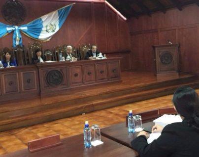 El diputado Baudlio Hichos intentra frenar el proceso pena en su contra que tienen el MP y la CICIG. (Foto Prensa Libre: Esbin García)