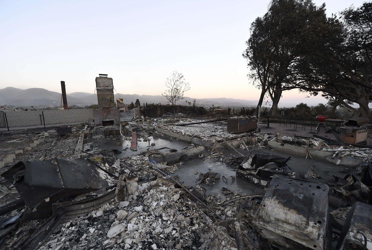 En Malibú, California, los incendios causaron devastación. (Foto Prensa Libre: AFP)