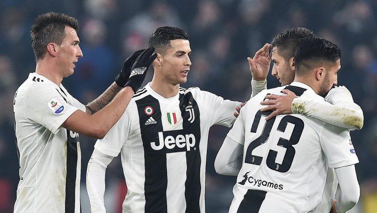 Los jugadores de la Juventus festejaron frente al Inter de Milán. (Foto Prensa Libre: EFE)