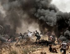 Los enfrentamientos se han dado en varios sectores de la valla que bloquea la entrada a la ciudad de Jerusalén. AFP