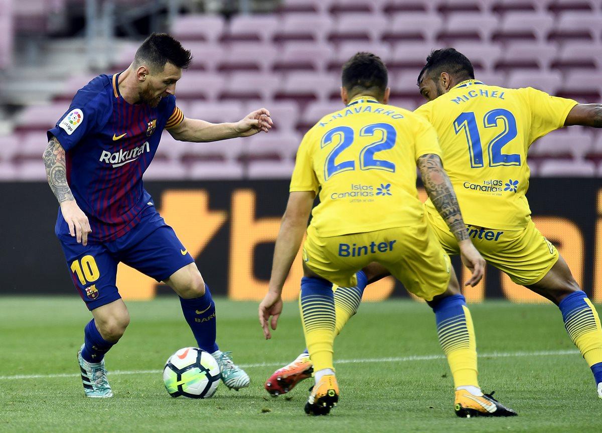 Lionel Messi guía al Barcelona en la goleada 3-0 contra Las Palmas