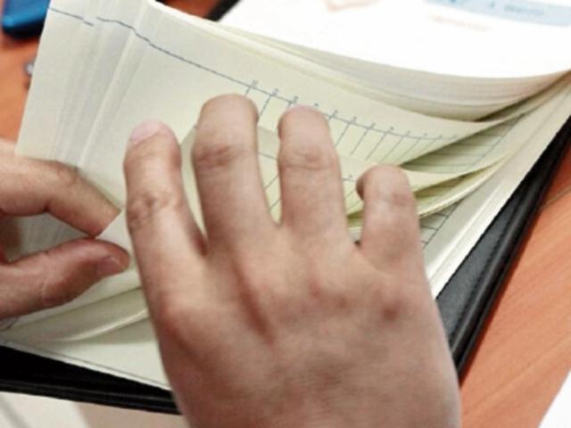 El papel protocolo es usado por notarios.