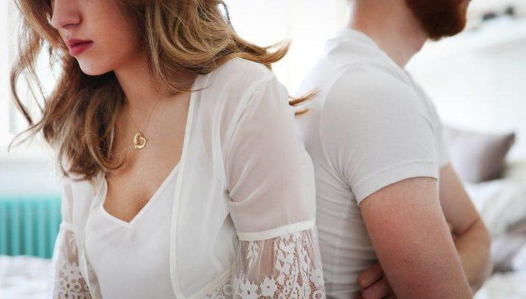 Los problemas de pareja -las discusiones, la falta de comunicación- pueden afectar el deseo sexual. (GETTY IMAGES)