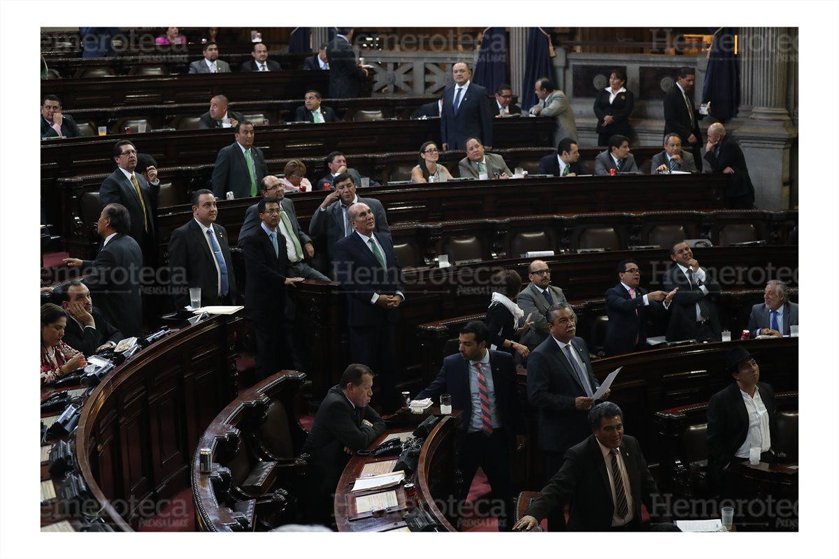 Sesión plenaria del Congreso en la cual diputados insistieron  en que desde el año 2017 la CDAG había quedado facultada para apoyar al futbol, con el decreto  10-2017. Foto del 15/3/2018 (Foto: Hemeroteca PL)