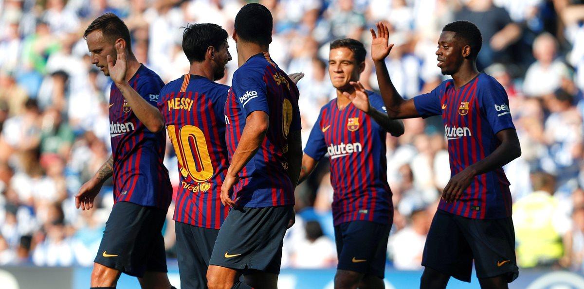 Así festejaron los jugadores del FC Barcelona en Anoeta. (Foto Prensa Libre: EFE)