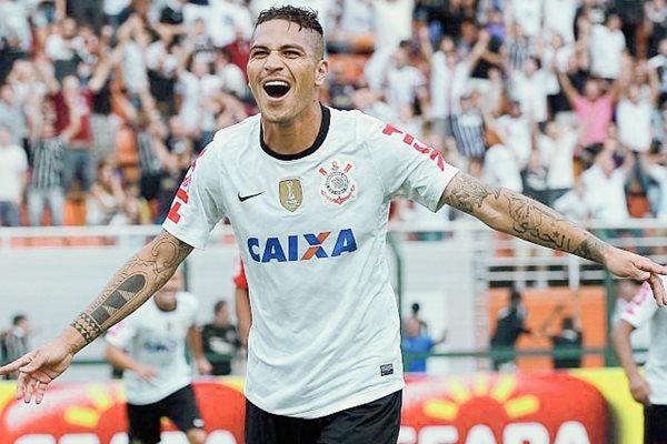 El futbolista peruano estará fuera al menos 15 días. (Foto Prensa Libre: Hemeroteca PL)