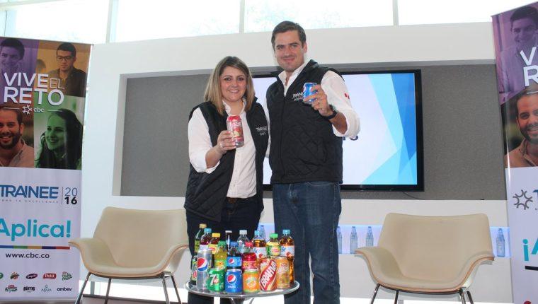 María José Villanueva, gerente regional de Gente y Gestión, y Juan Pablo Mata, director regional de Gente y Gestión de CBC.(Foto Prensa Libre: Hemeroteca PL)
