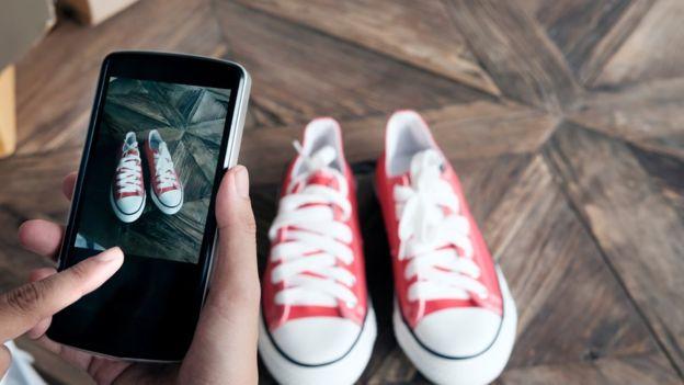 Unas zapatillas pueden convertirse en todo un éxito de ventas en la red. GETTY IMAGES