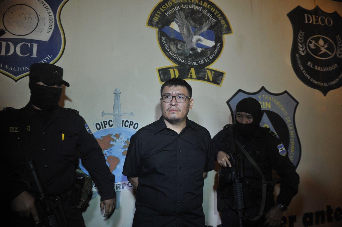 Fiscalía salvadoreña acusa de femicidio a cónyuge de periodista asesinada