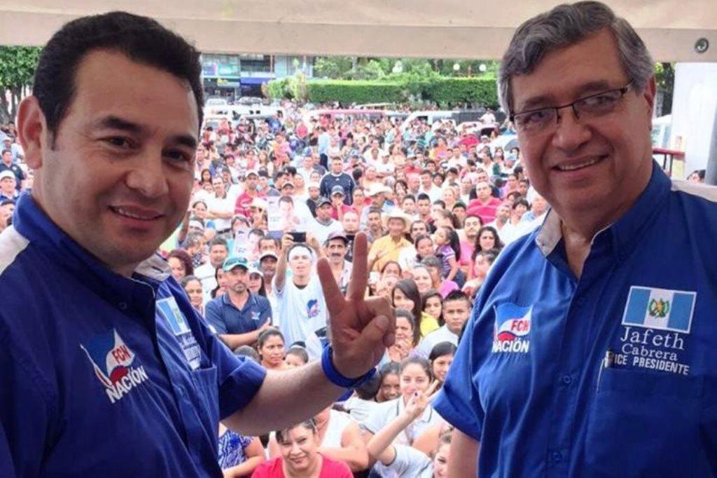 El binomio presidencial de FCN-Nación durante una gira de trabajo en julio de 2015 en El Progreso. (Foto Prensa Libre: Hemeroteca PL)
