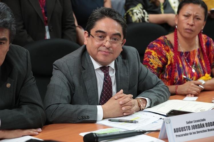 El procurador de los Derechos Humanos Jordán Rodas, fue amparado por la CC. (Foto Prensa Libre: Hemeroteca PL)