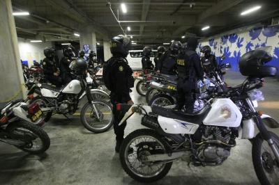 Operativo policial en Oakland Mall