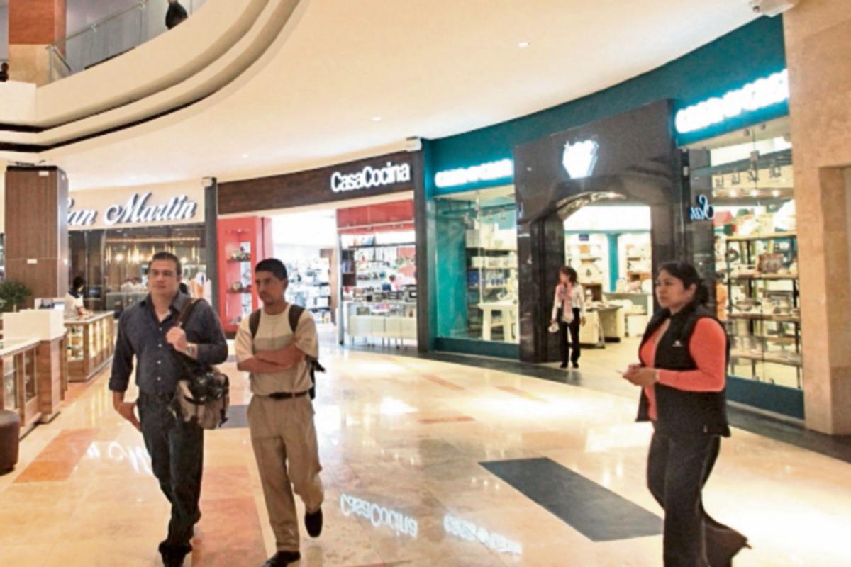 Oakland Mall inaugura nueva fase comercial