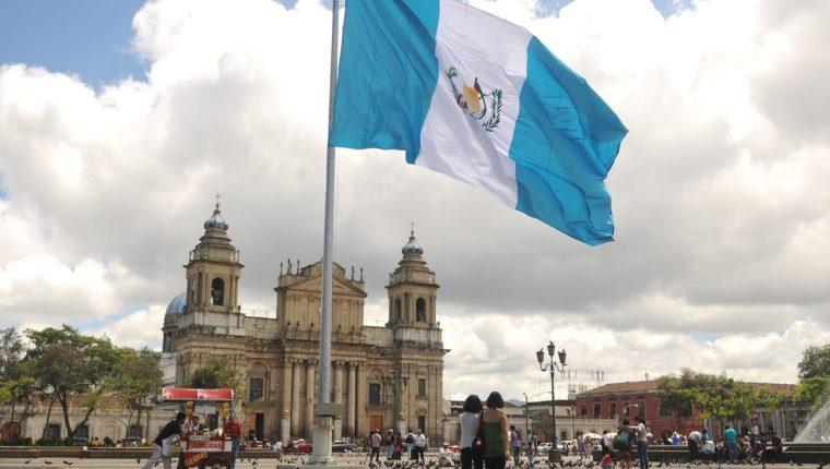 Resultado de imagen para bandera de guatemala}