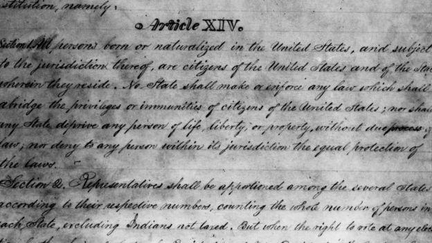 La enmienda 14 de la Constitución estadounidense fue ratificada en 1868. HULTON ARCHIVE/GETTY IMAGES