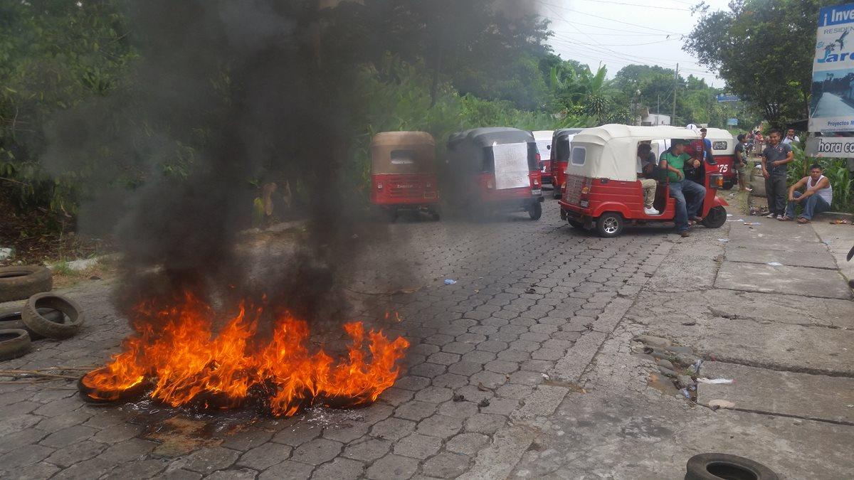 Mototaxistas protestan por reglamento municipal