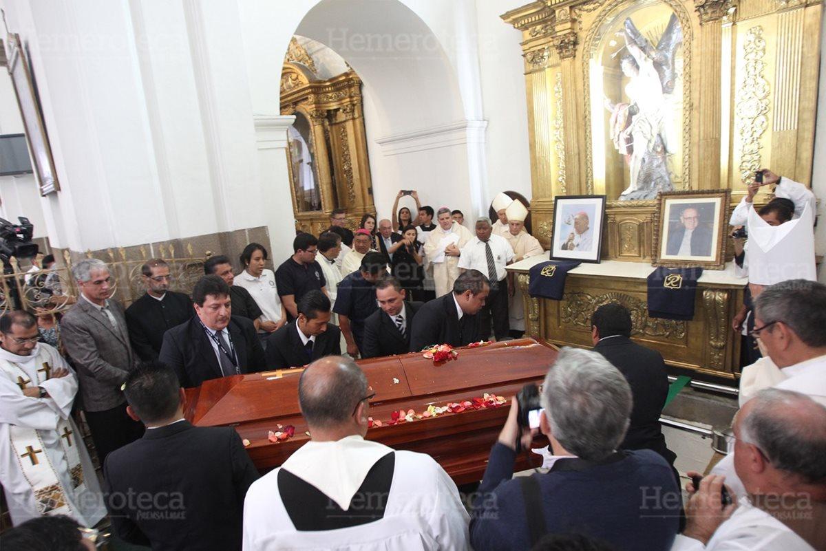 Gerardi descansa en Catedral Metropolitana