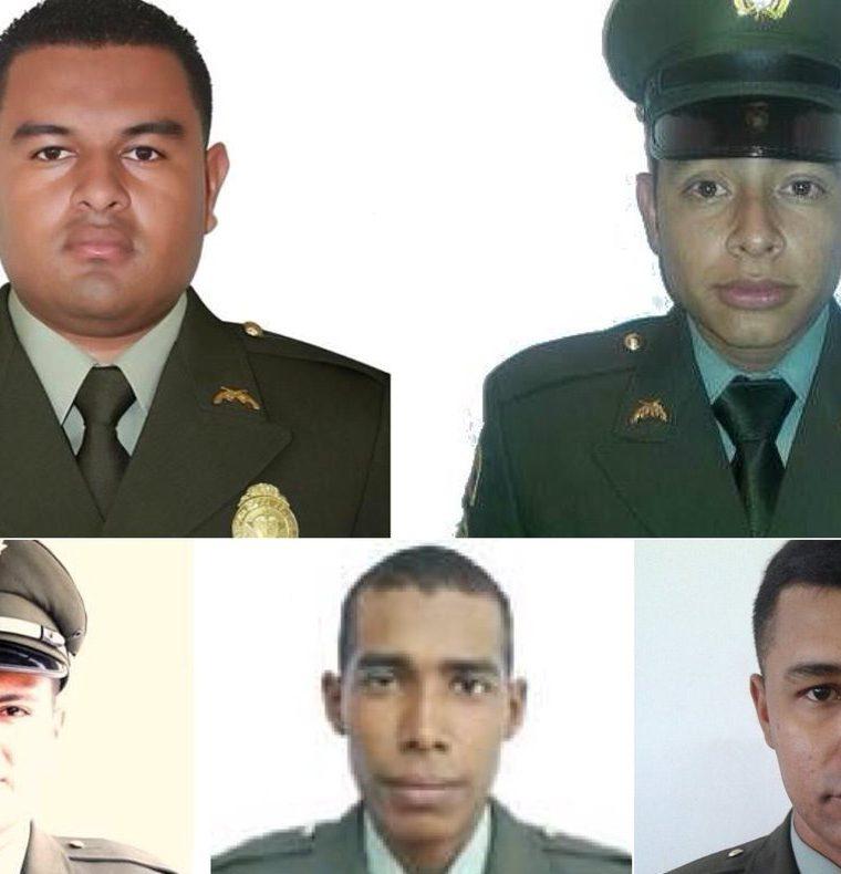 Fotografías de algunos de los policías que murieron por los atentados en Colombia. (Foto Prensa Libre: Twitter Policía de Colombia)