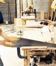 Entre las diversas actividades productivas financiadas mediante microcréditos figuran oficios como la carpintería. (Foto Prensa Libre: Hemeroteca PL)