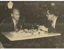 Mario Sandoval Figueroa -d- uno de los fundadores de Prensa Libre, entrevista al compositor español Gustavo Pittaluga, el 28 de agosto de 1951. (Foto: Hemeroteca PL)
