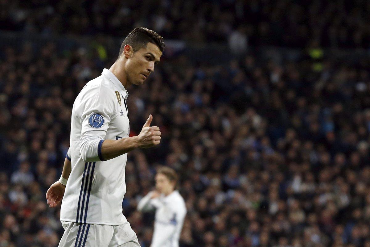 """Cristiano Ronaldo es uno de los tres nominados al premio """"Quinas de Oro"""" que reconoce al mejor futbolista portugués. (Foto Prensa Libre: EFE)"""