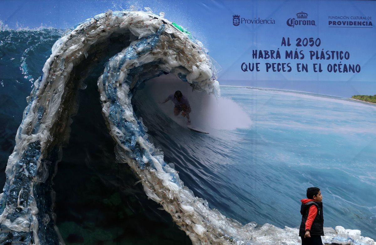 ONU exhorta a restringir bolsas de plástico para evitar contaminación en océanos