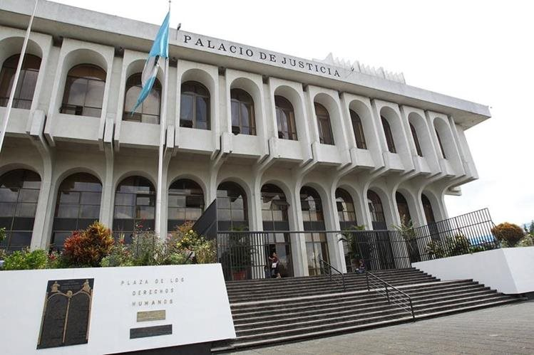 Magistrados de la Corte Suprema de Justicia conoceran este miércoles las solicitudes de antejuicio en contra del presidente Jimmy Morales y la diputada Nineth Montenegro. (Foto Prensa Libre: Hemeroteca PL)