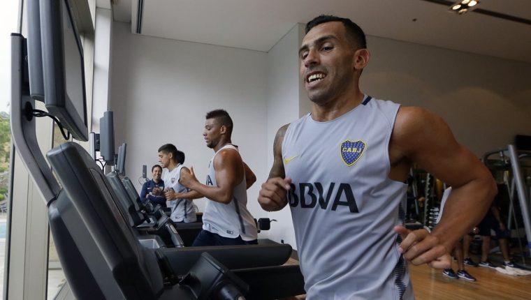 El apache Tevez ya se entrena con el Boca Juniors. (Foto Prensa Libre: AFP)