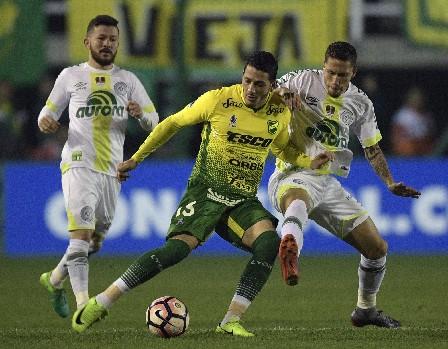 Con un gol de Nicolás Stefanelli, el Defensa y Justicia venció al Chapecoense. (Foto Prensa Libre: AFP).