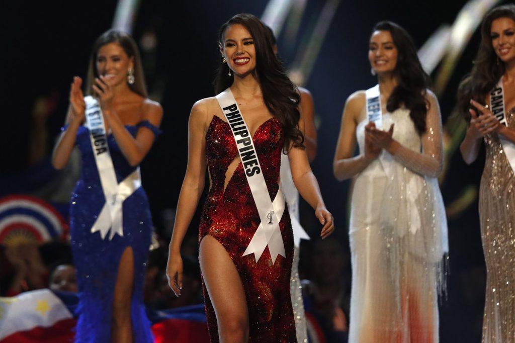 Catriona Gray durante su participación en la gala de Miss Universo 2018