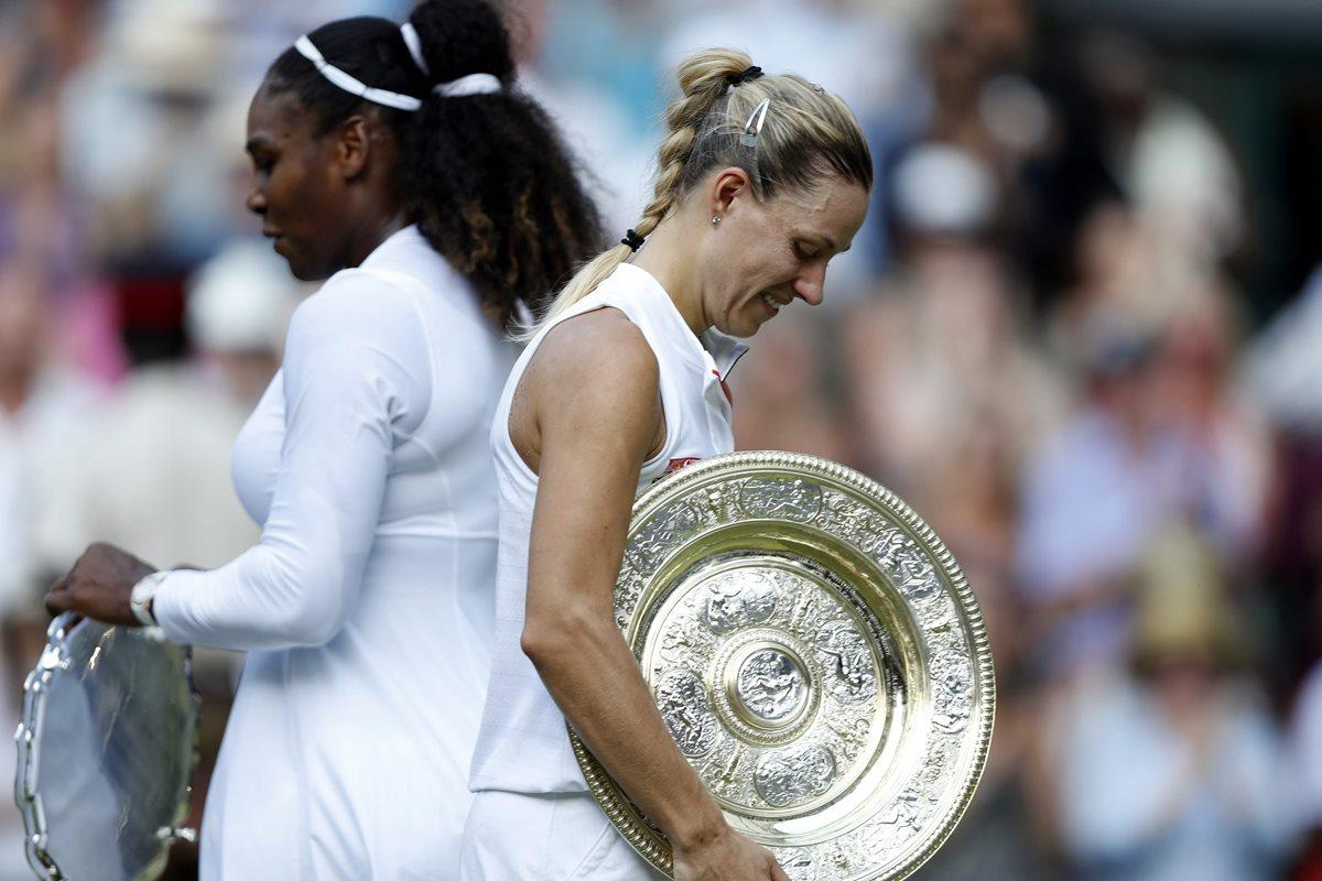 Kerber amarga la fiesta de Serena Williams y gana Wimbledon por primera vez