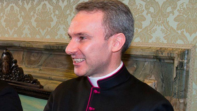Monseñor Carlo Alberto Capella, detenido en el Vaticano por un informe de EE. UU. sobre consultas a pornografía infantil. (Foto Prensa Libre: Servicio Católico de Noticias)