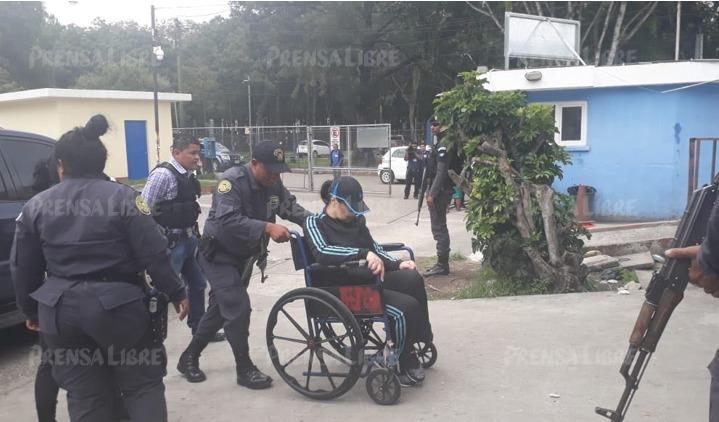 Baldetti ingresa a la emergencia del Roosevelt (Foto Prensa Libre: Cortesía)