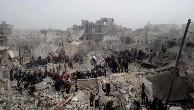 Destrucción en la ciudad de Aleppo el 19 de febrero de 2013 tras el impacto de un misil, y donde murieron 19 personas. (Foto: AFP)